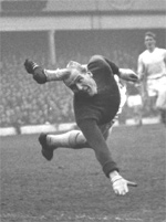 UK: Trautmann's Journey – From Hitler Youth to FA Cup Legend, by Catrine Clay (Book Review)