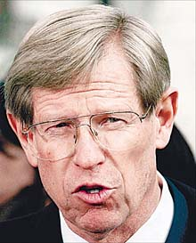 Theodore Olson – The GOP's Bad Penny? (American Politics Journal, May 2001)