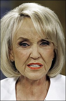 Arizona: Clinton Threat to Sue State over Immigration Law Riles Governor Brewer / Hispanics Flee State in Droves
