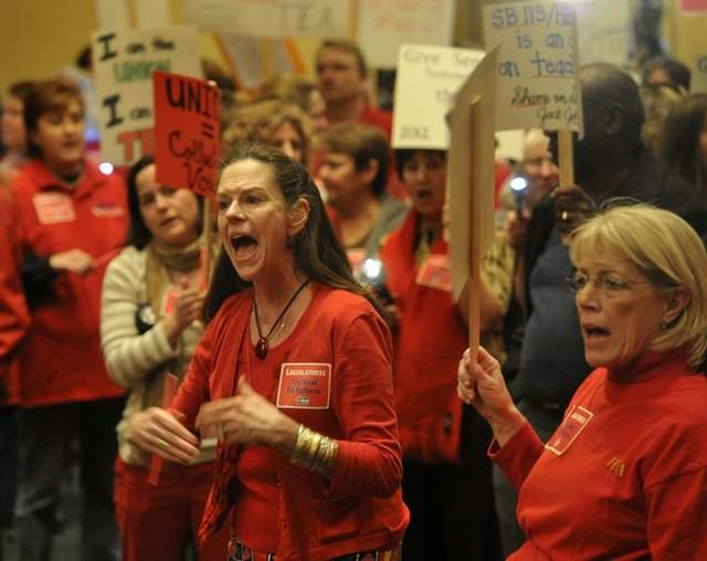 Right-Wing Activists in Tennessee Seek to End Collective Bargaining by Teachers' Union