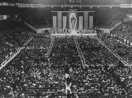 """Swastika Nation"": Fritz Kuhn and the German-American Bund (Book Review)"