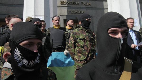 Ukraine to Disarm Illegally Armed Groups After Kiev Shooting/Secretive Nazi Group Engaged in Euromaidan Sniper Fire