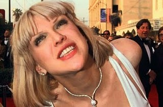 Courtney Love Flees to NY after Alleged Staffer Conspiracy